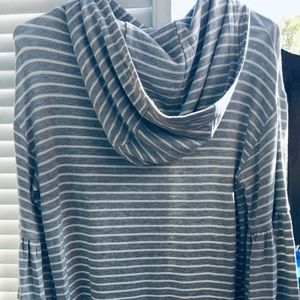 🌻🍂NWT Lou & grey hooded lounger